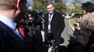 La Casa Blanca restaura la credencial del reportero de la CNN Jim Acosta