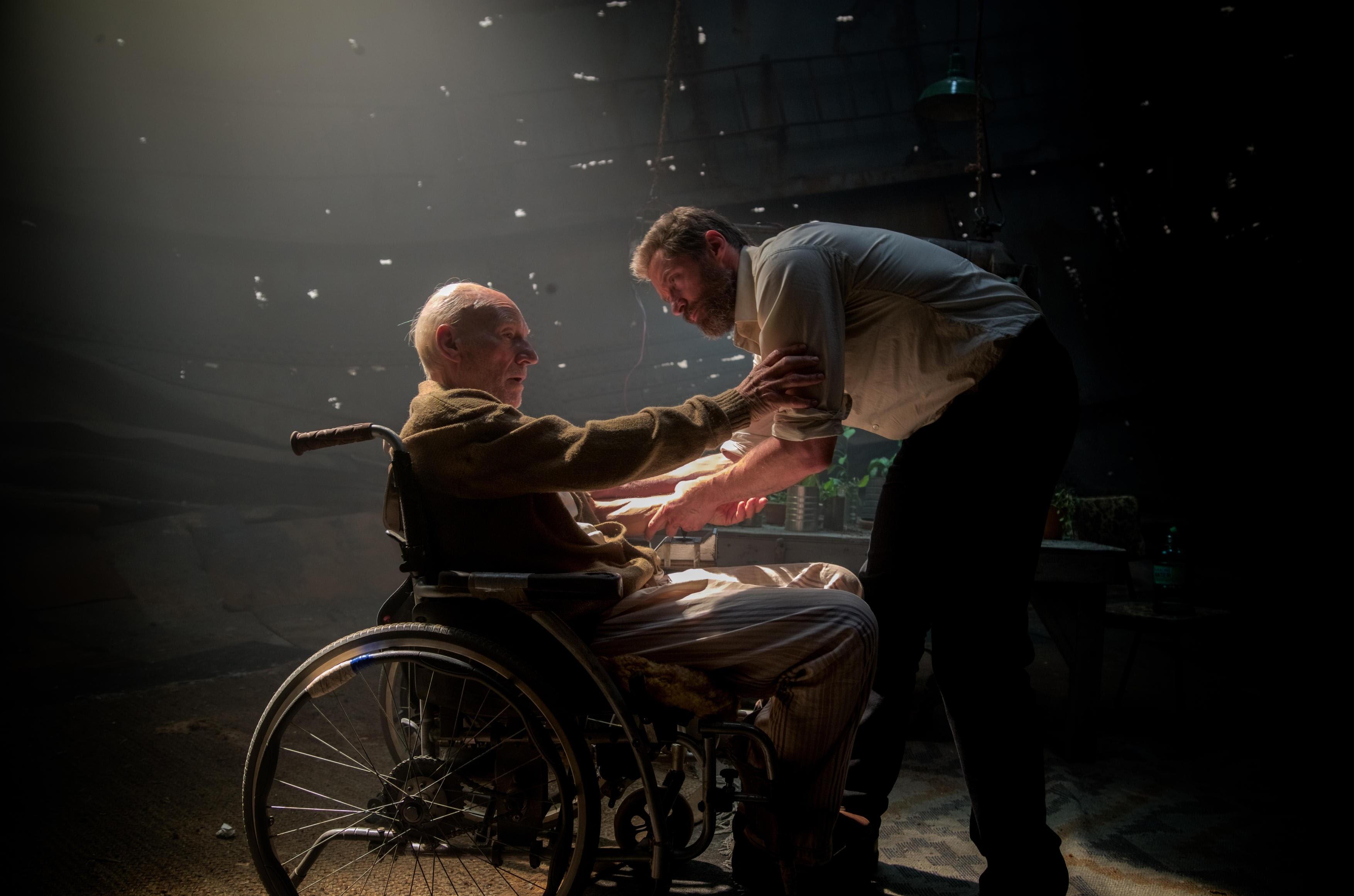 Hugh Jackman & Patrick Stewart set Guinness World Record for the longest career as a Marvel superhero : ウルヴァリンのヒュー・ジャックマンと老プロフェッサー X のパトリック・スチュワートが息の長いヒーローとして、ギネスの世界記録を新たに樹立したことが祝福された ! !