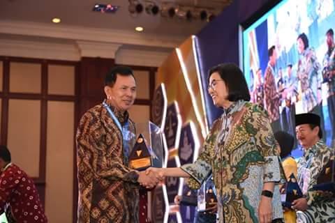 Menteri Keuangan Berikan Penghargaan WTP kepada Walikota Prabumulih