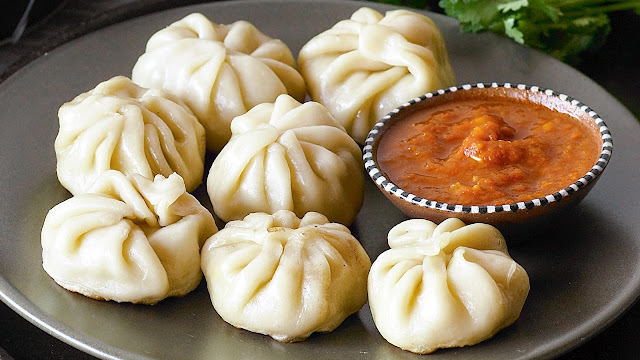 how to make chicken momos in hindi, happiness-guruji