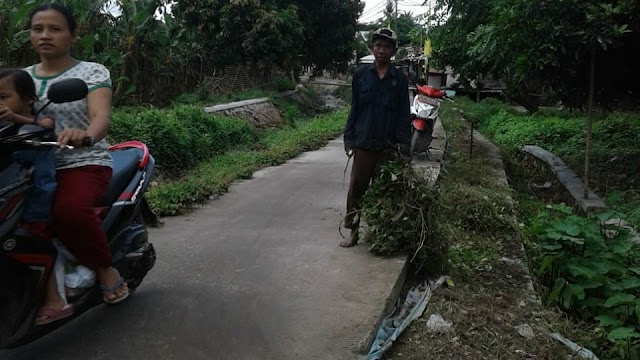 Kelompok Lansia Desa Lemo Gelar Jumsih Lingkungan