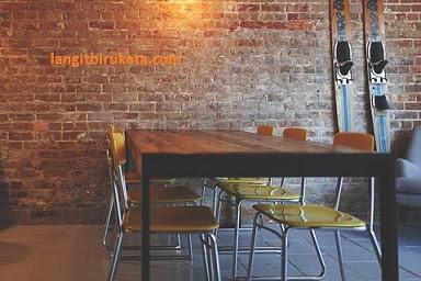 Perbedaan Table dan Desk yang Mungkin Kamu Belum Tahu