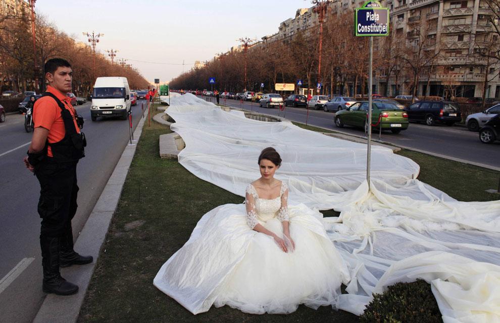 El vestido de novia con la cola más larde del mundo !!! - Entérate Cali