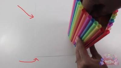 cara membuat tempat pensil dari botol dan sedotan