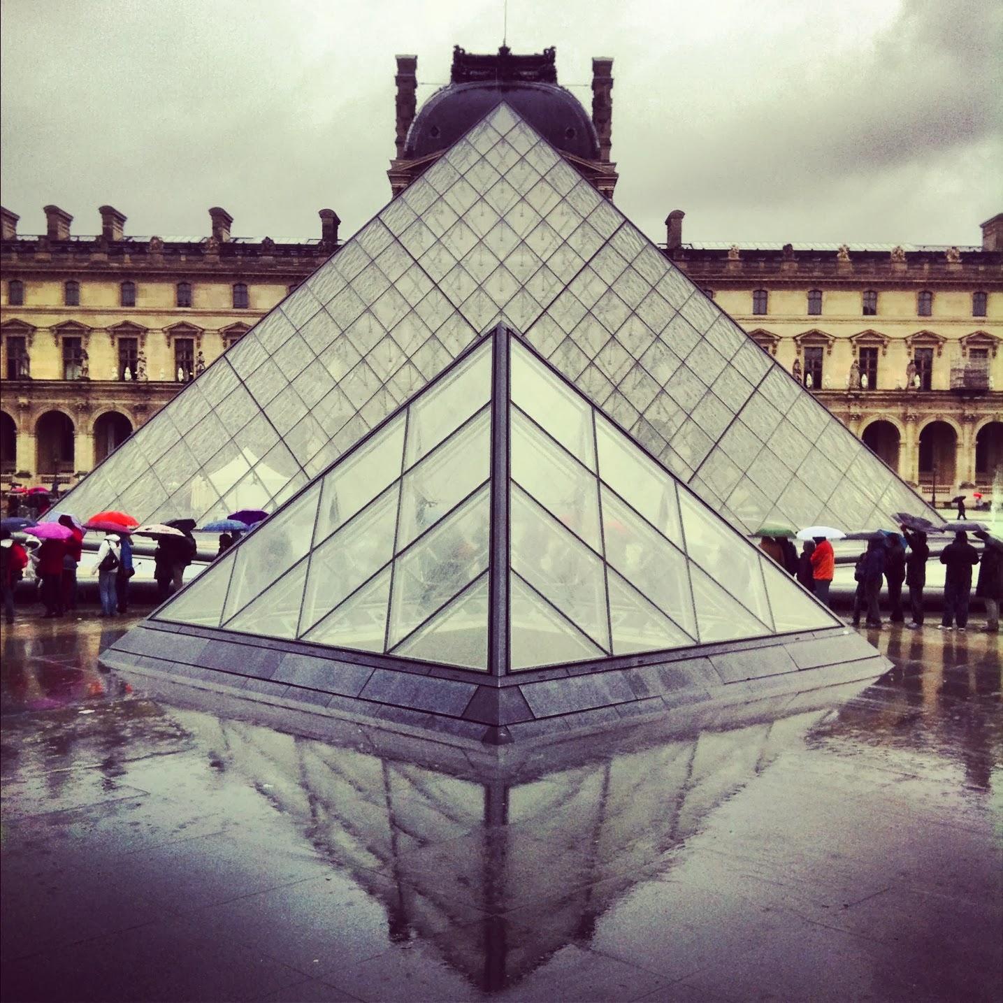 Cúpulas del Museo del Louvre en Paris