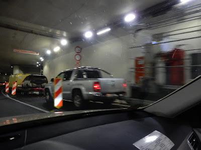 http://www.express.de/duesseldorf/koe-bogen-tunnel--fertig---weitere-sperrungen-zu-testzwecken-angekuendigt-24931946