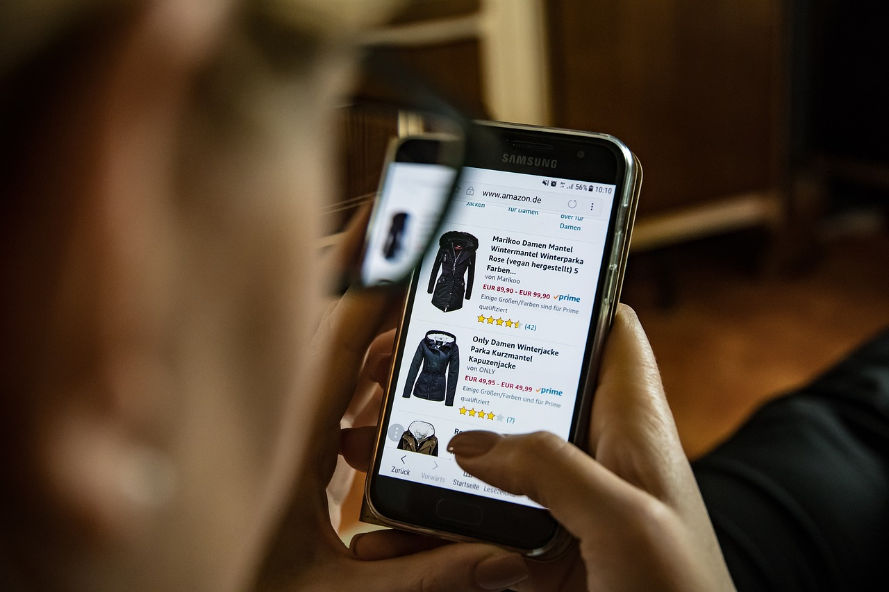 To acquire Smartphone shopping on the rise pictures trends
