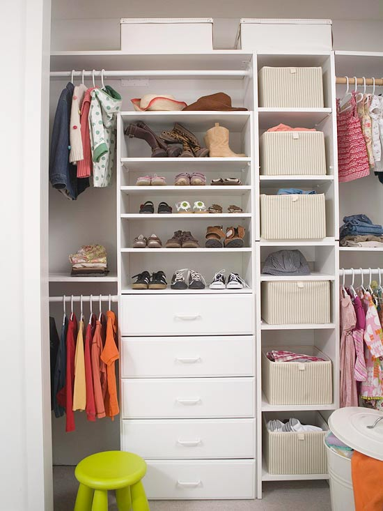 Do-it-yourself custom closet organization systems with easy design, easy installation, and FREE shipping.