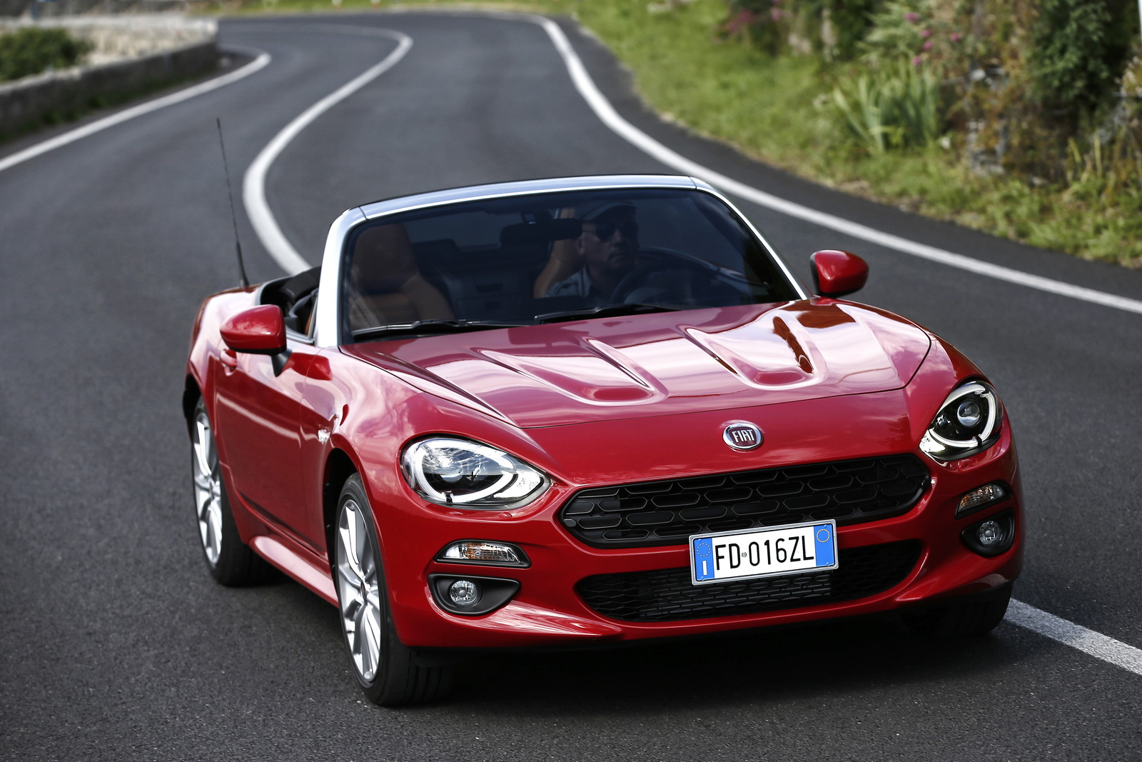 New Fiat 124 Spider Priced From £19,545 In The UK