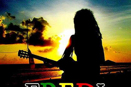 Tiptop Menyanyikan Lagu Reggae Tentang Singaraja