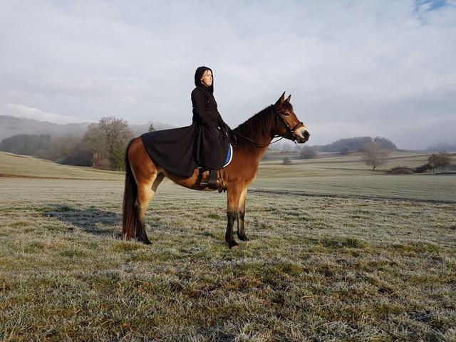 Penny das Pony: Frostbeuelen aufgepasst! Reitrock DIY