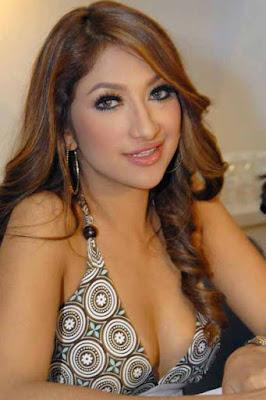 artis cantik sarah azhari dan rahma azhari