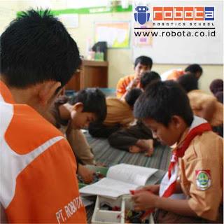 Bisnis Indonesia sekolah robot ROBOTA