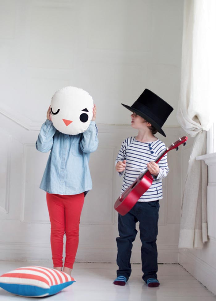 Pantomime pillow http://www.rafa-kids.com/shop/round-pillow-pantomime/