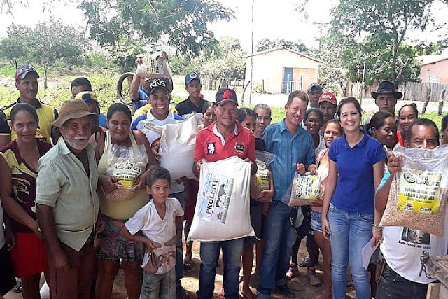 Programa Prolavoura entrega sementes para agricultores familiares de São Desidério
