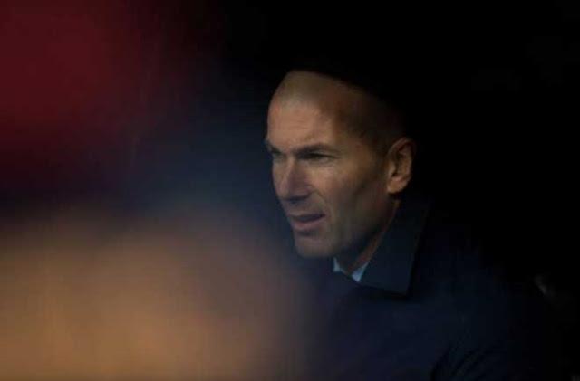 Real Madrid lo không dự nổi Cúp C1: Zidane quá khổ vì Ronaldo 2
