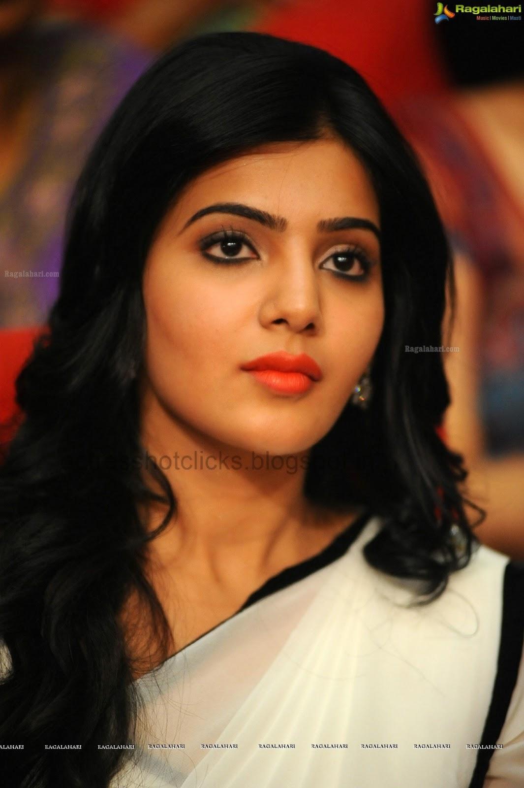 Samantha In Saree: Actresshotclicks: Samantha At Svsc Triple Platinum Disc
