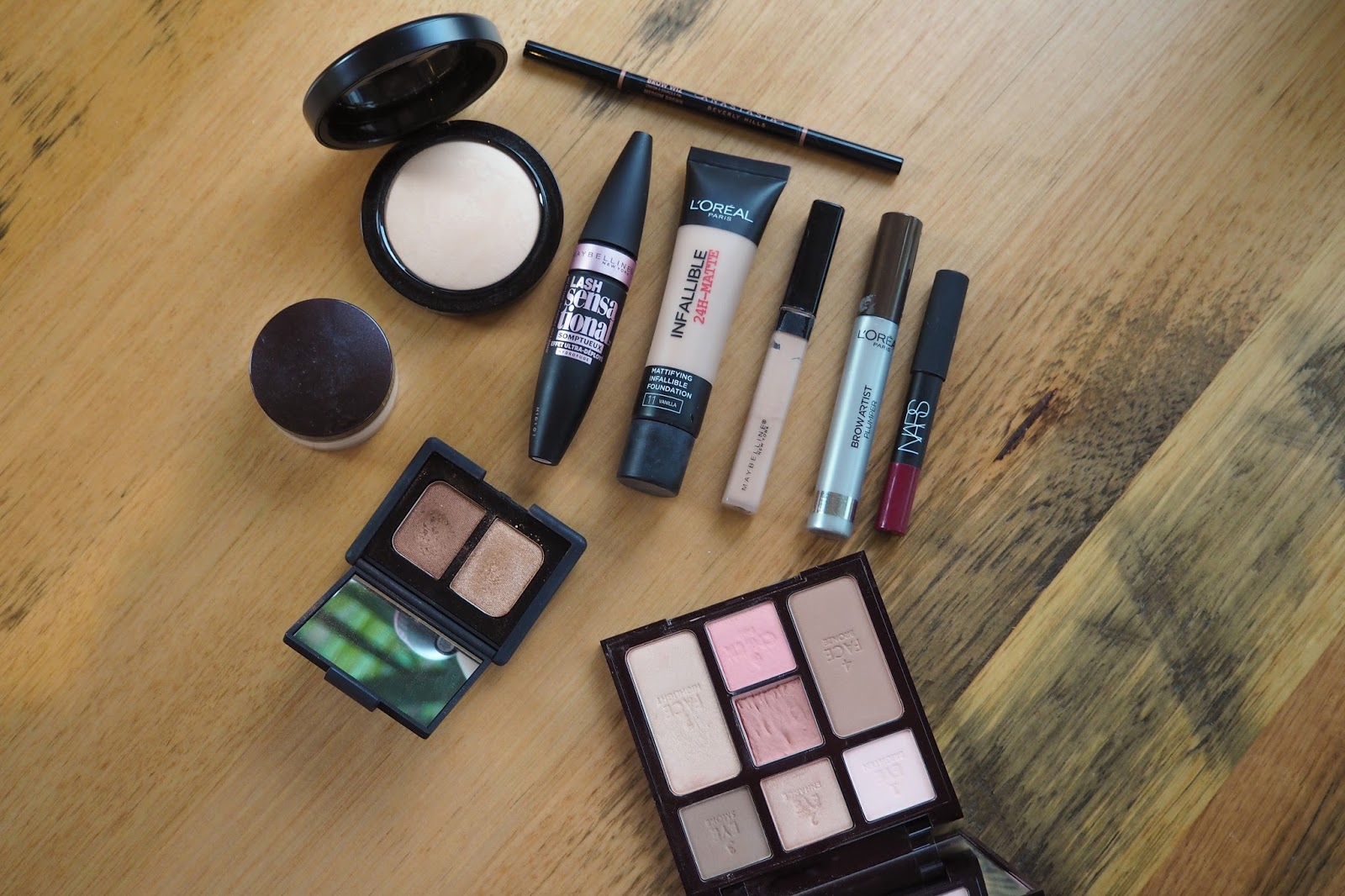 what's in my travel makeup bag, travel makeup, travel friendly makeup, oily skin travel makeup