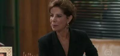 Angela Vieira interpreta a personagem Vera, uma coroa empoderada na trama de Bom Sucesso