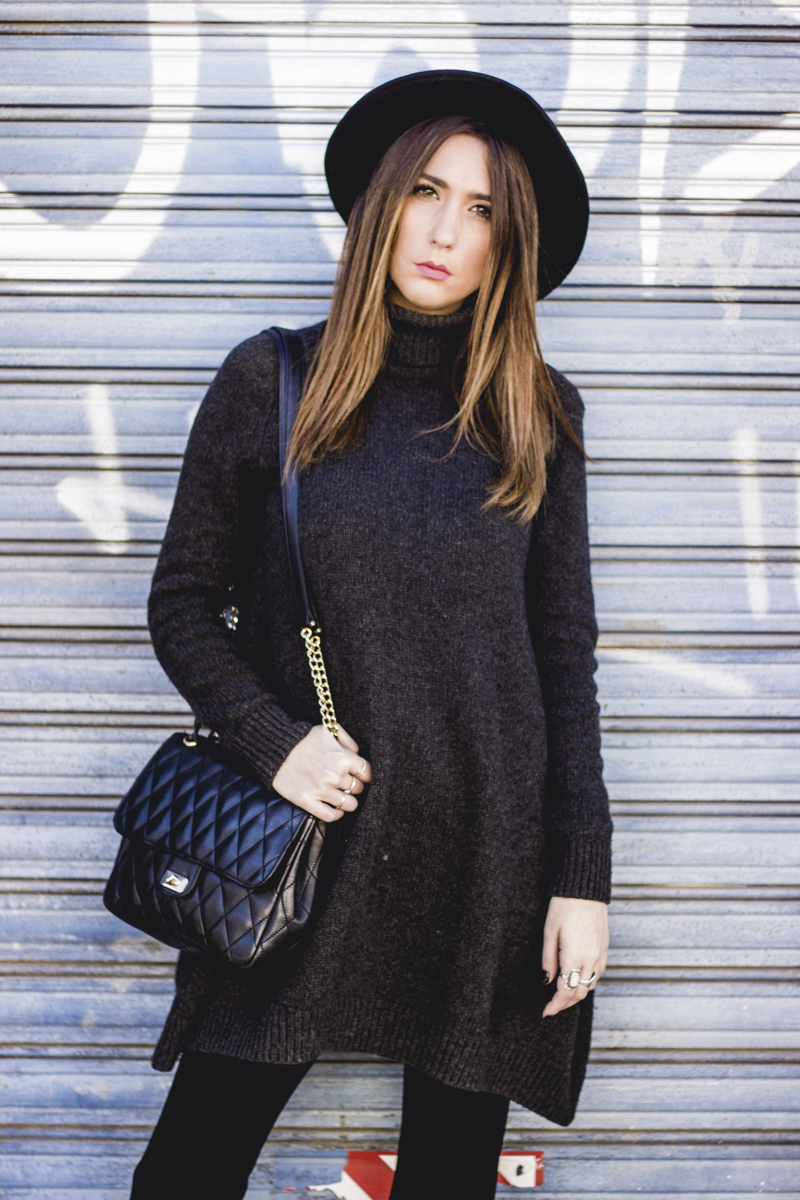 COZY KNITWEAR DRESS