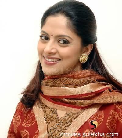 INDIAN ACTRESS Old South Indian Actress Nadhiya Latest Hot Images