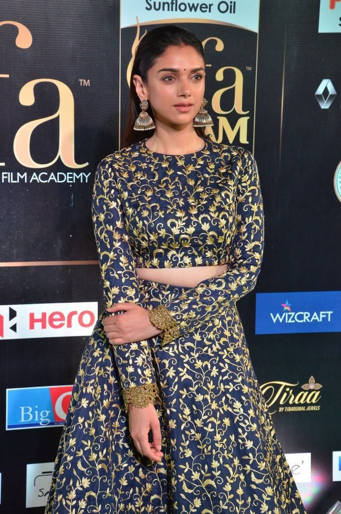 Actress Aditi Rao Stills At IIFA Awards 2017 In Blue Dress