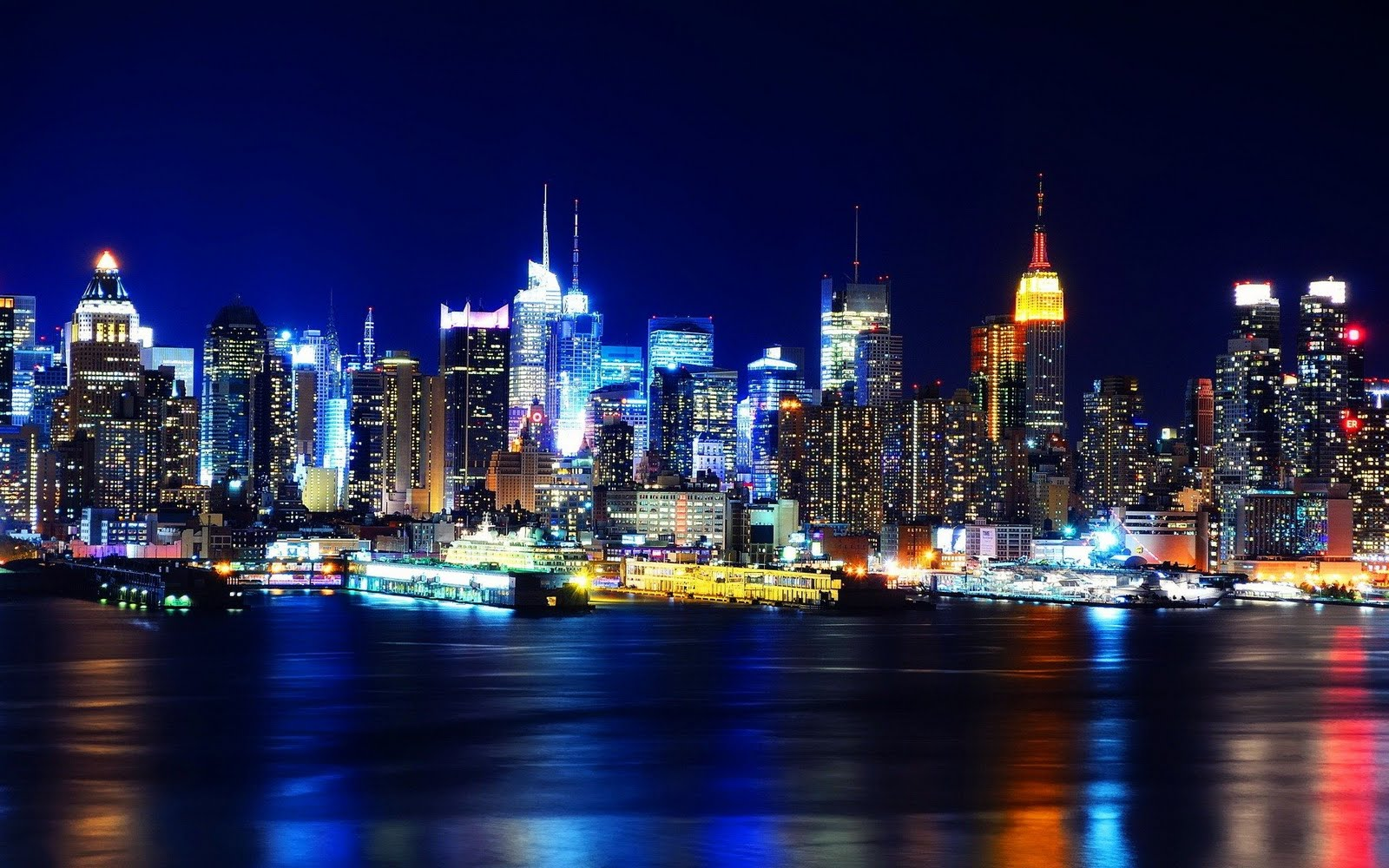 http://3.bp.blogspot.com/-vUdmwXjWdvc/TjKbUyXGmNI/AAAAAAAAAmA/6Egj0EU0qB8/s1600/new-york-night-wallpaper.jpg