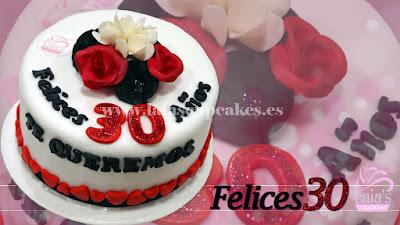 tarta personalizada de fondant 30 cumpleaños Laia's Cupcakes Puerto Sagunto