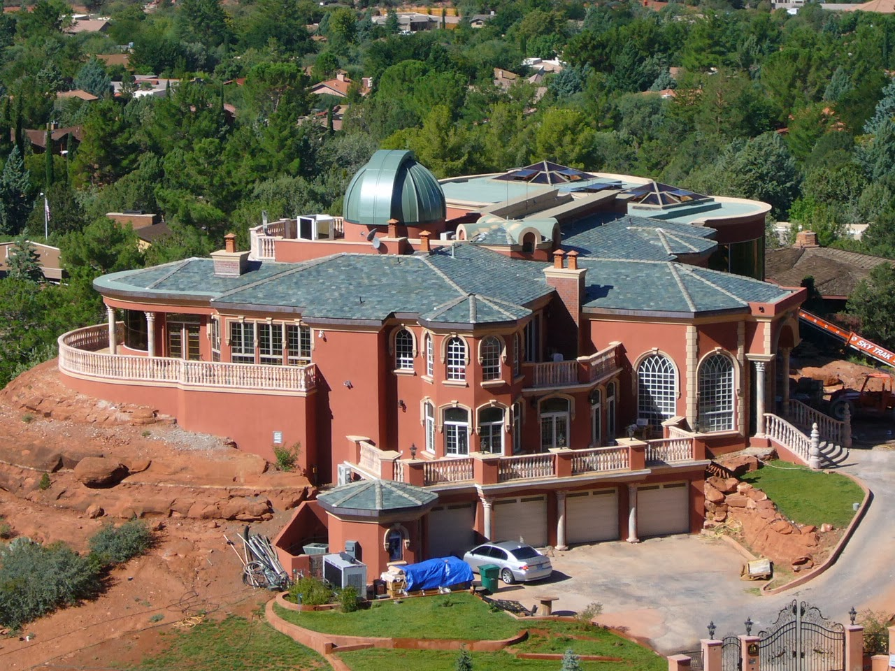 Sedona Blog: Sedona's HUGE House By The Chapel~Who really ...