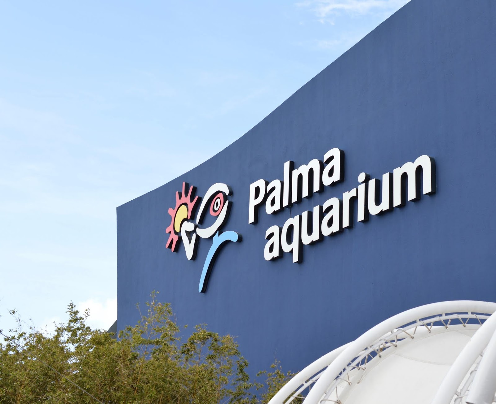 Visiting Palma Aquarium from Santa Ponsa - outside from car park