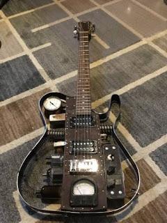 5 Weird Guitars from Craigslist!