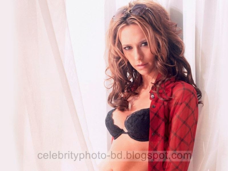 In Sexy Tight And Short Dress Jennifer Love Hewitt Latest Hot Photos With Short Biography
