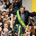 'Sou imbrochável, não vou sair de combate', diz Bolsonaro