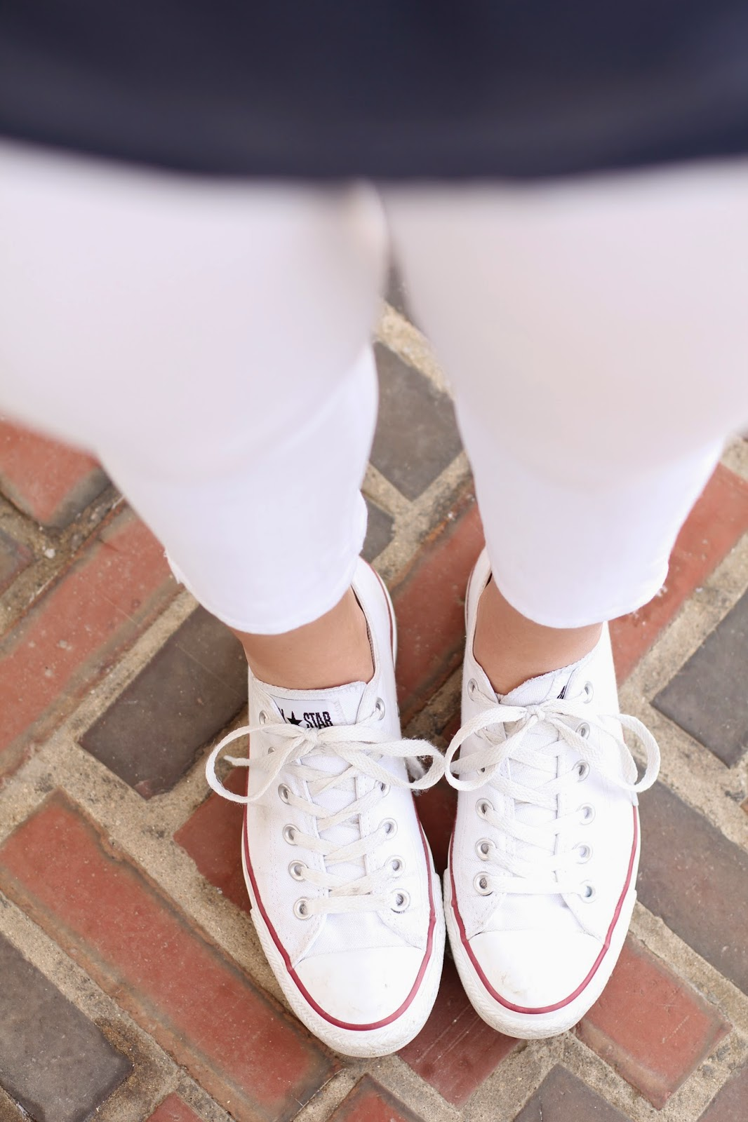 white converse, summer sneakers, sneaker style