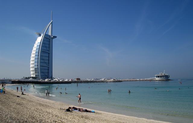Sunset Beach, junto al hotel Burj Al Arab, una de las playas más famosas de Dubai