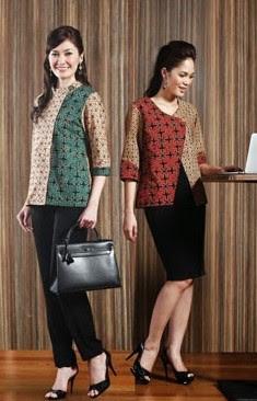 Kemeja batik santai untuk wanita simpel elegan