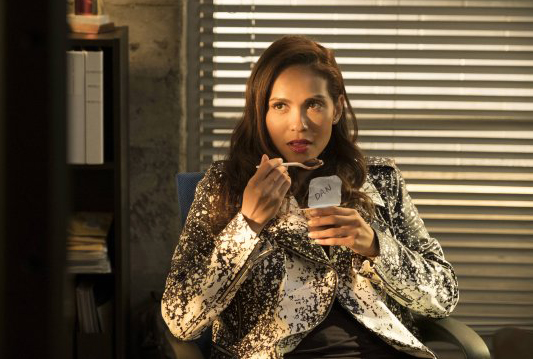 "LUCIFER - Recensione episodio 3x03 ""Mr  and Mrs  Mazikeen Smith"""