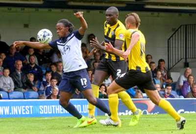 VIDEO On loan Shaquile Coulthirst unlucky for Southend