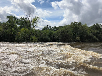 Flooding, rains expand the Milwaukee River