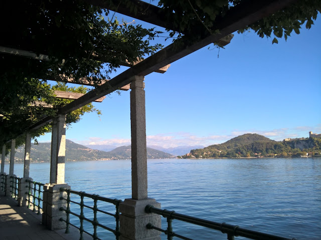 Lungo Lago Arona
