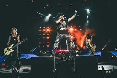 The Machine Is Back, Guns N' Roses, Axl Rose, Slash, Duff McKagan, zene, koncert, Not In This Lifetime, Get on the Nighttrain