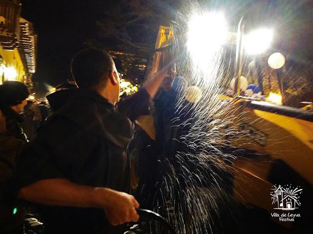 Bendición a vehículos en fiestas de la Virgen de Carmen en Villa de Leyva