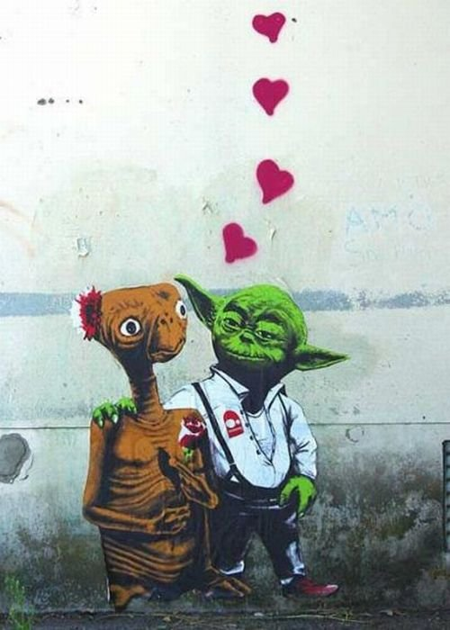 street art. alien love