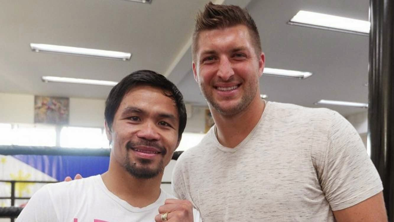 "Tebow visits his ""kababayan"" Manny Pacquiao at Wildcard gym"