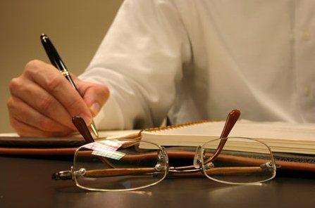 مدلول وكالة المحامي أمام دائرة تسجيل الأراضي وإلزامية توكيل المحامي أمام دائرة تسجيل الأراضي