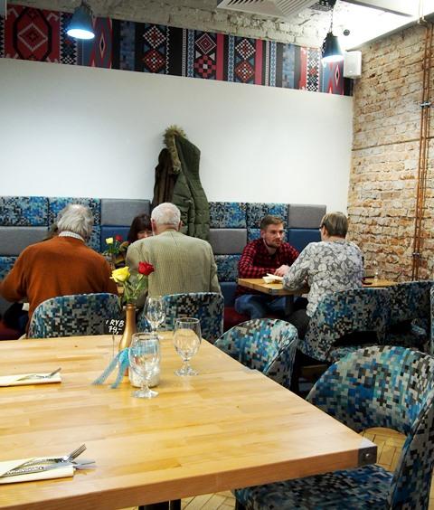Gdzie Zjeść Na Saskiej Kępie Ruza Roza Bałkańska Kuchnia