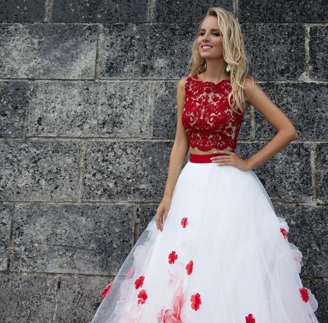 bd3970c5f96 Самые стильные свадебные платья 2017 года. В столь торжественный для себя  день каждая невеста мечтает надеть безупречное платье.