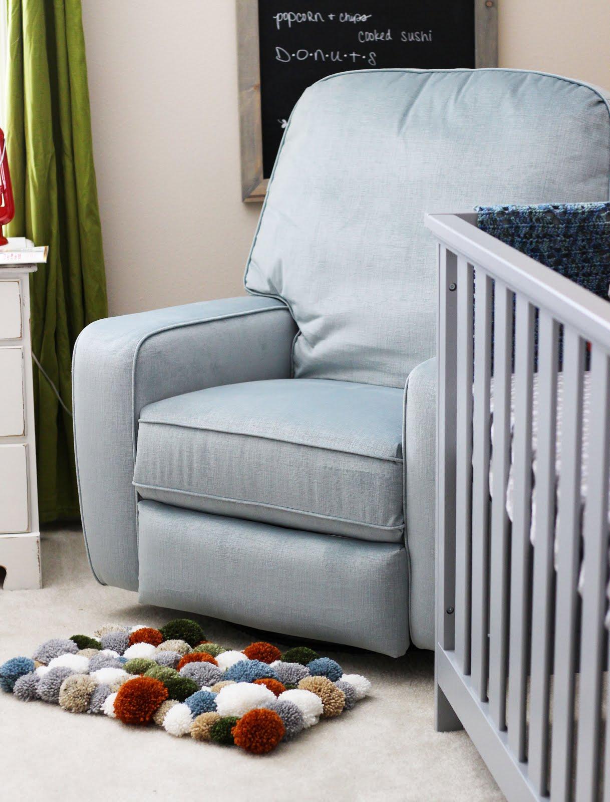 DIY Yarn Pom Pom Rug - Sewrella