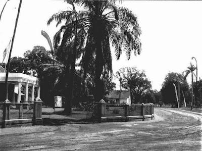 Foto Bangunan bersejarah di JL. Diponegoro nomor 1 Pekalongan