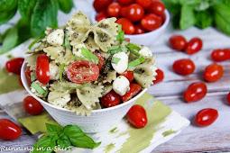 Caprese Pasta Salad with Pesto #vegan #recipevegetarian